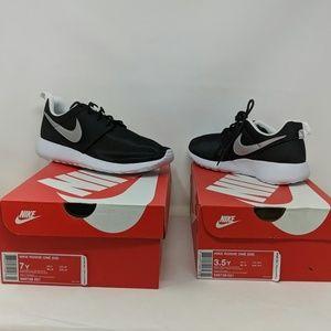 Nike Roshe One GS 2 Pair Bundle